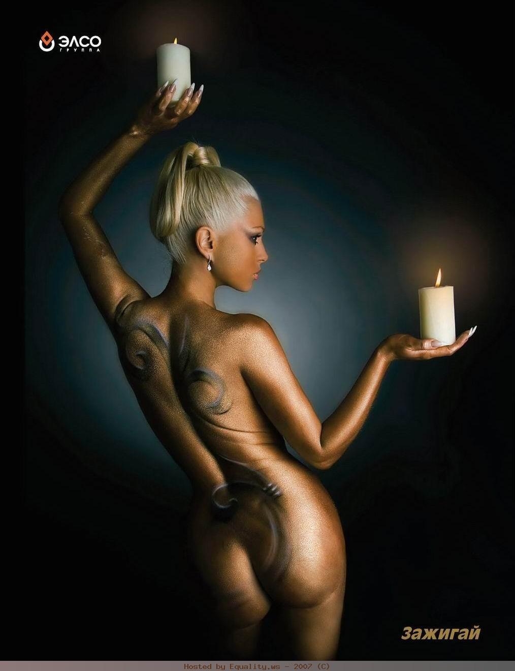 Рисунки на голом теле девушек