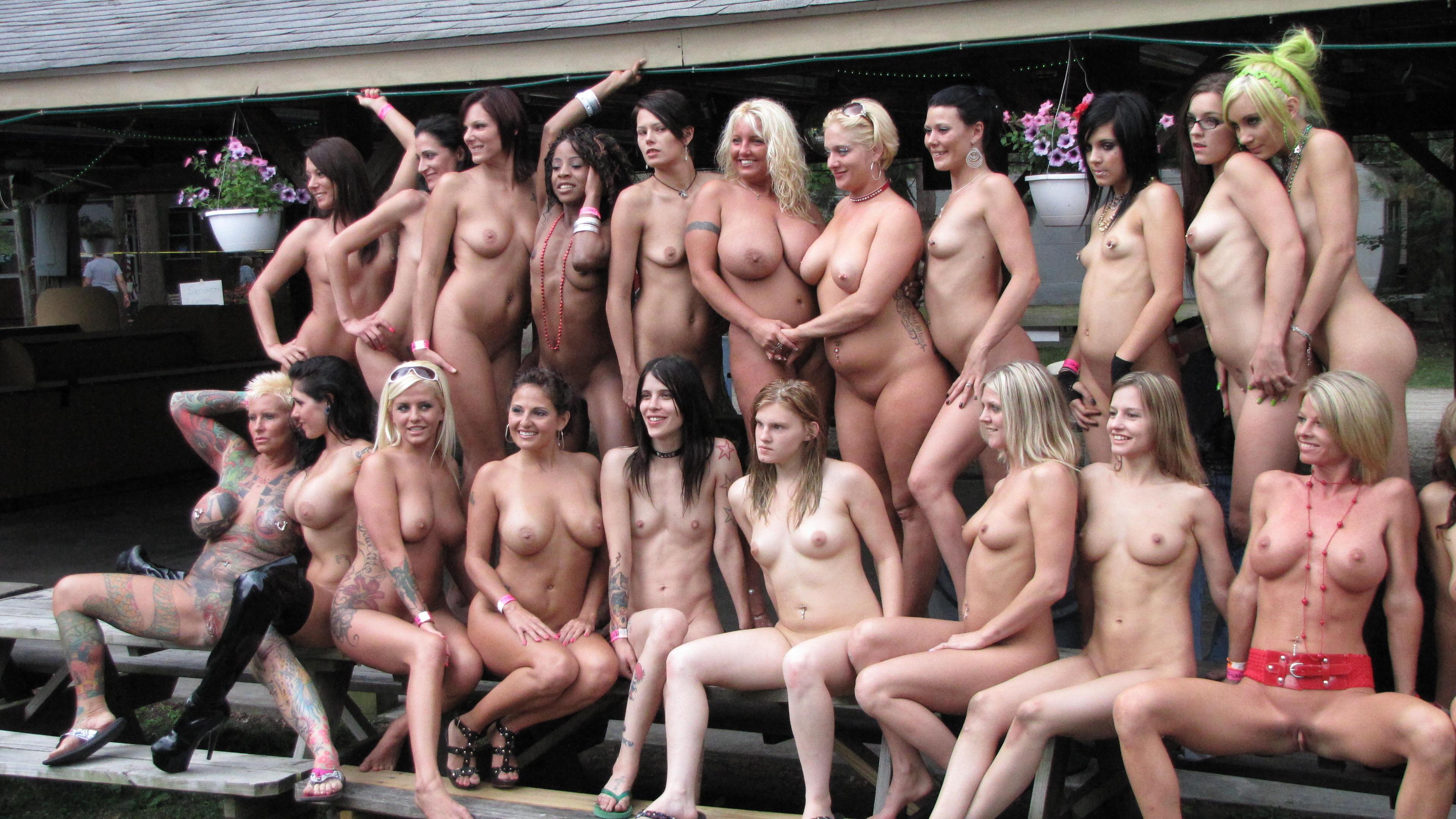 много проституток