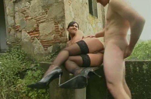 Секс ролики поймал и трахнул — img 1