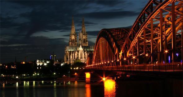 Hohenzollernbruecke Bridge – мост любви в Кельне