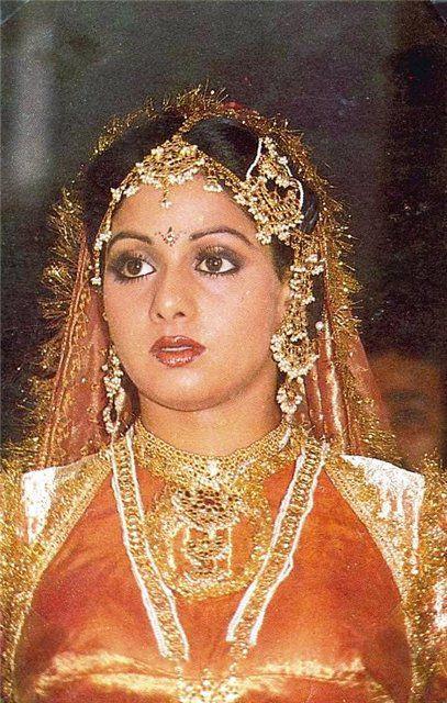 smotret-golih-aktris-indii