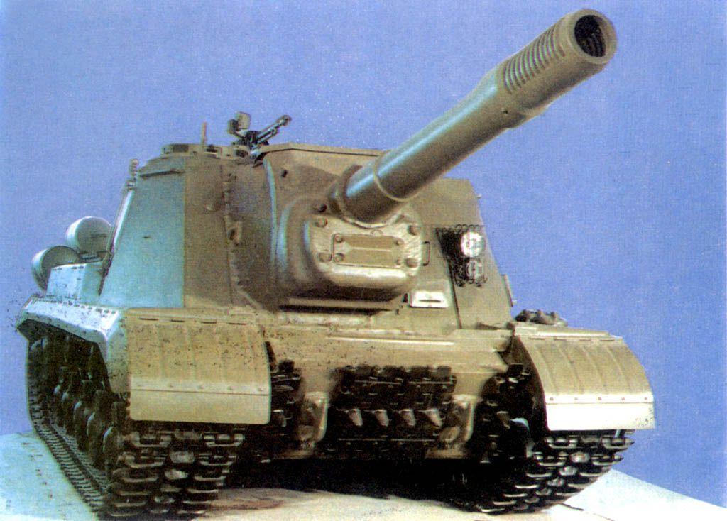 ИСУ-152 в экспозиции Музея БТВТ в Кубинке