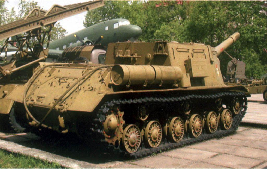 ИСУ-152 – экспонат под открытым небом