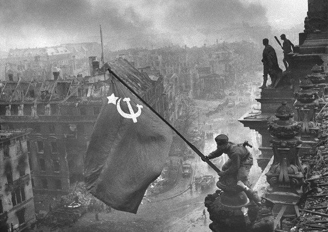 Вторая мировая война: Падение нацистской Германии