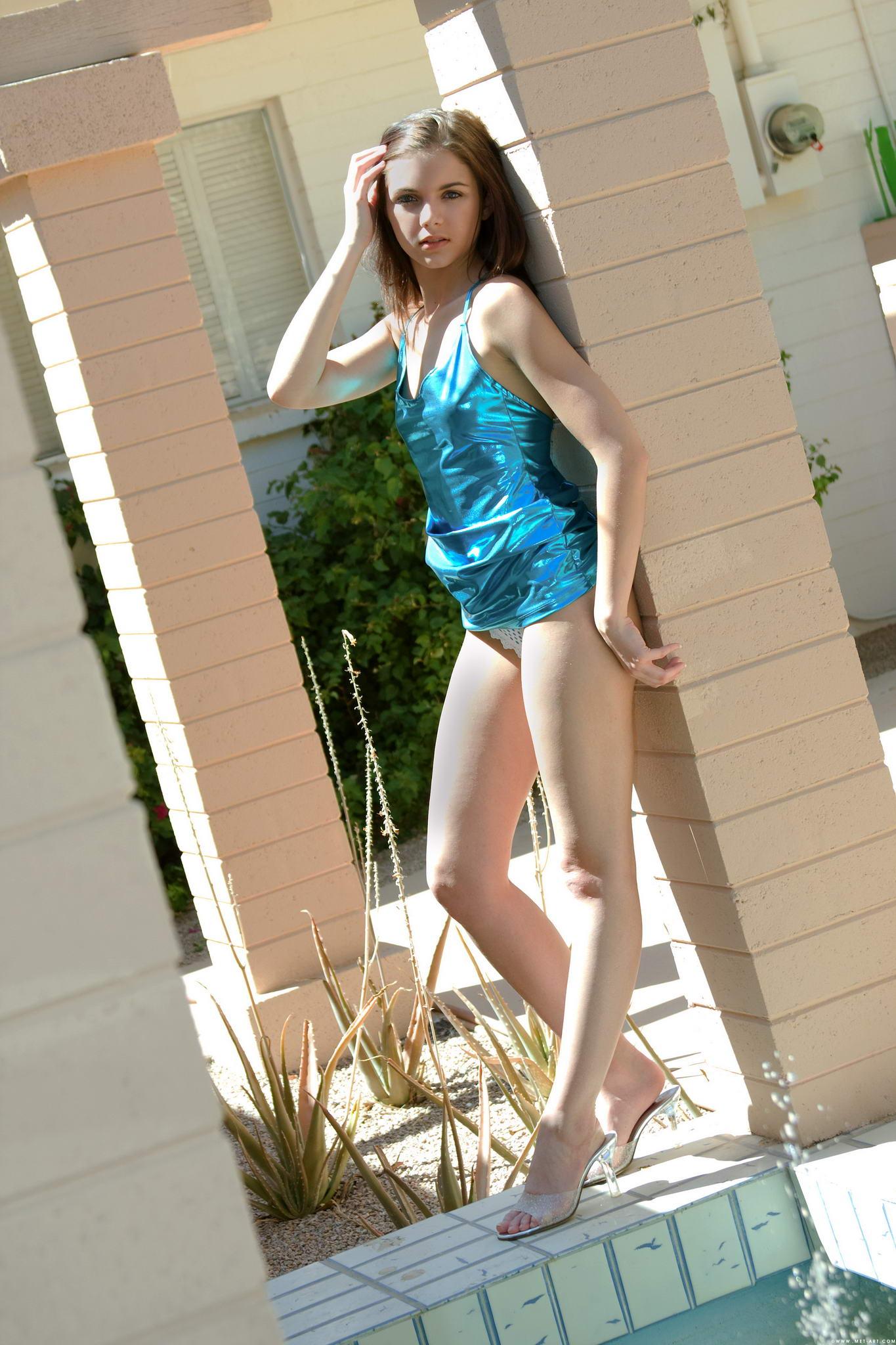 Юная девочка в попку фото 15 фотография
