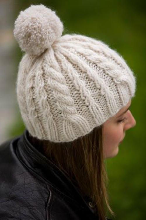 цитата. frohmatthias вязаная белая шапка спицами - косы, помпон на шапке мои работы. вязаная белая шапка спицами