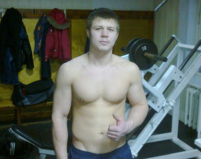 Чемпион по боксу жестоко избил троих мужчин