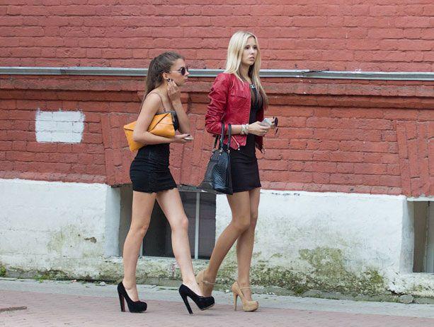 Где снять девушку студентку, очень симпатичная блондинка дает