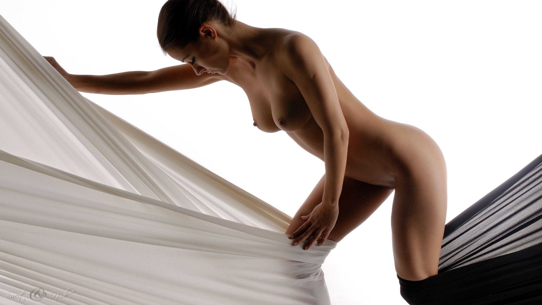 Сиськи голые и танец живота 1 фотография