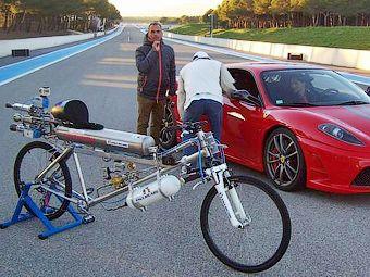 Новый рекорд скорости на велосипеде - 333 км/ч