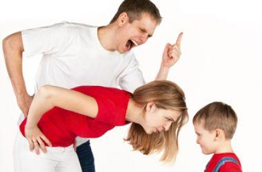 Папы, прекратите «ломать» своих детей. Пожалуйста