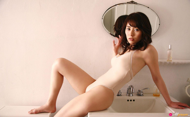 momoko-tani-your-wife-2