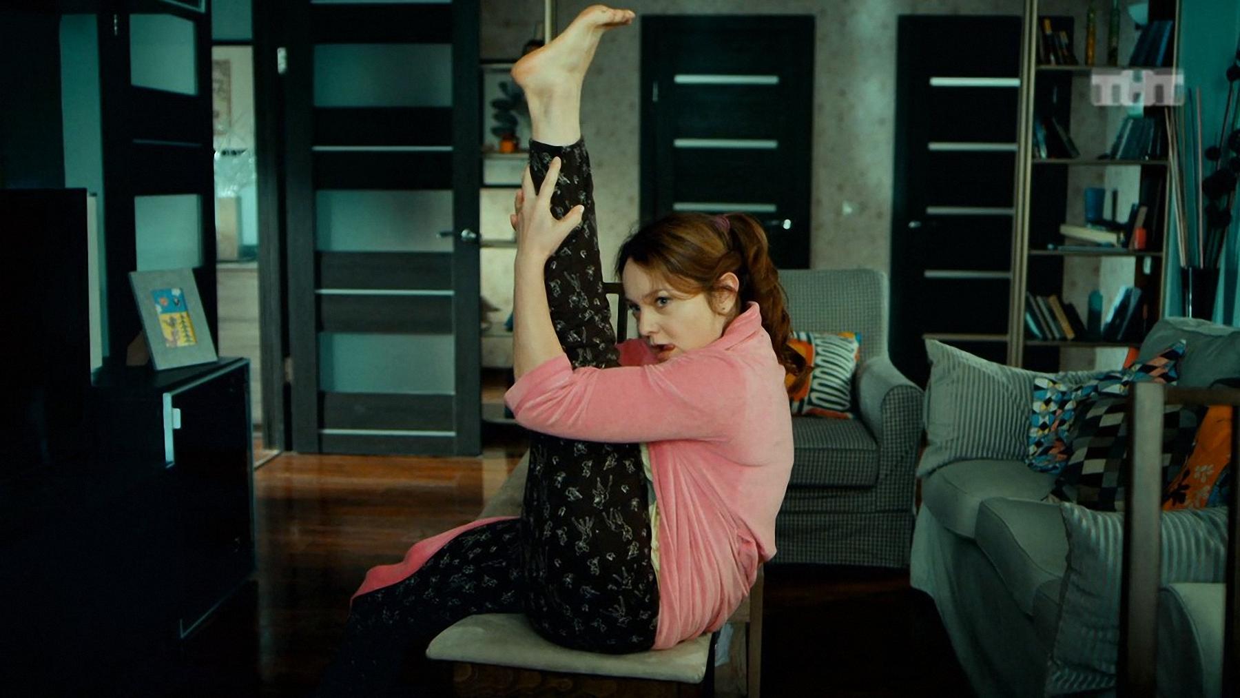 Таня танцует стрептиз 23 фотография
