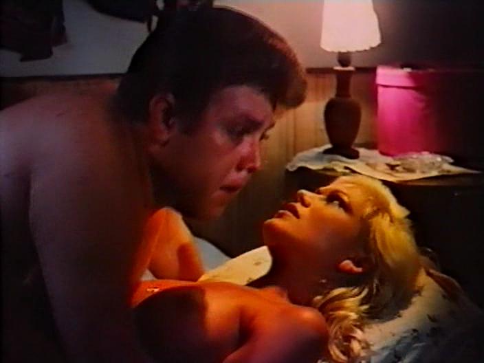 zhevatelnaya-rezinka-porno-film