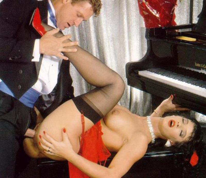 Порно ролик с пианистками порно секретарши