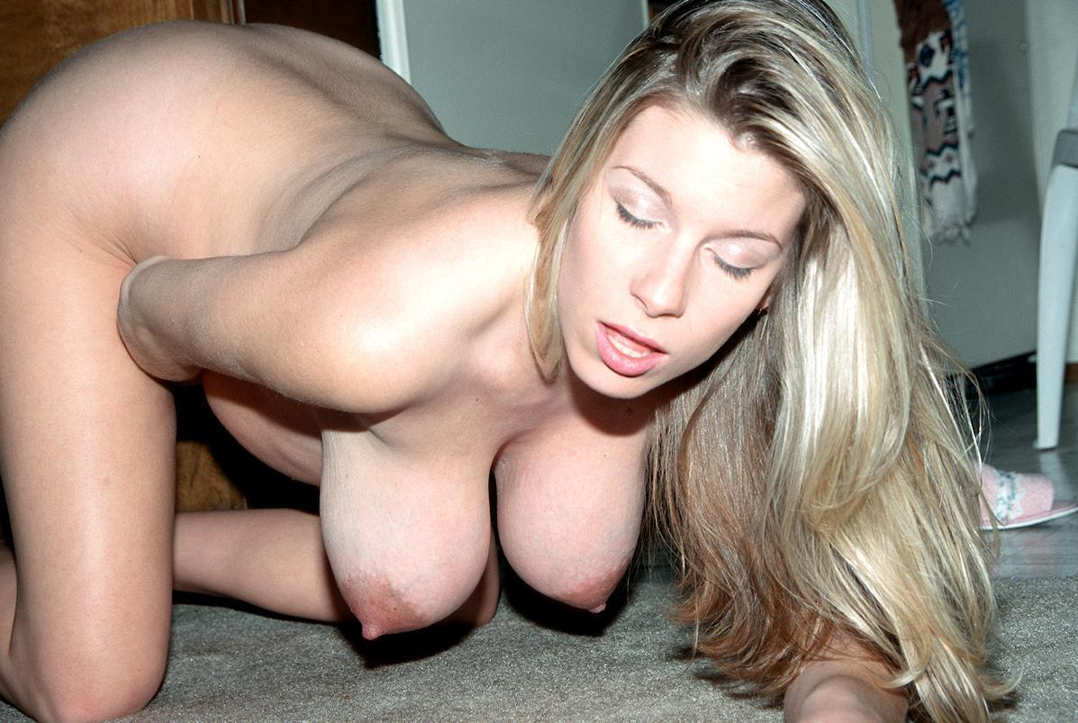 Домашнее порно с красивыми грудью, эро карт толька попы