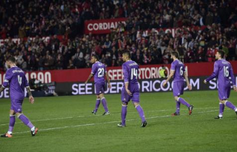 """""""Мадрид"""" второй раз в своей истории дважды пропускает после 85 минуты и терпит поражение"""