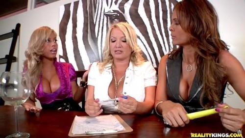 Monica Fuentes, Rachel Love, Bridgette B – CFNM Secret 4, Scene 2 (Greg Lansky / Reality Kings) [2010, Brunette, Blonde, Big Boobs (Implants), Tanlines, Shaved, Group Sex (4+), Blowjob, Handjob, White, Latin, Straight, 404p, WEB-DL]