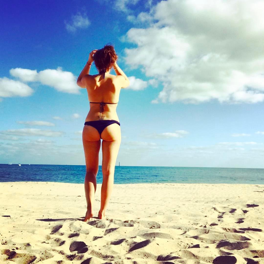 Вика крутая фото пляж сосин признан