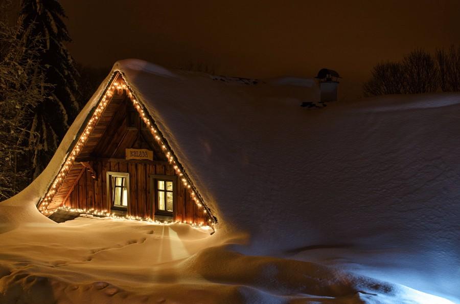 Заснеженный дом
