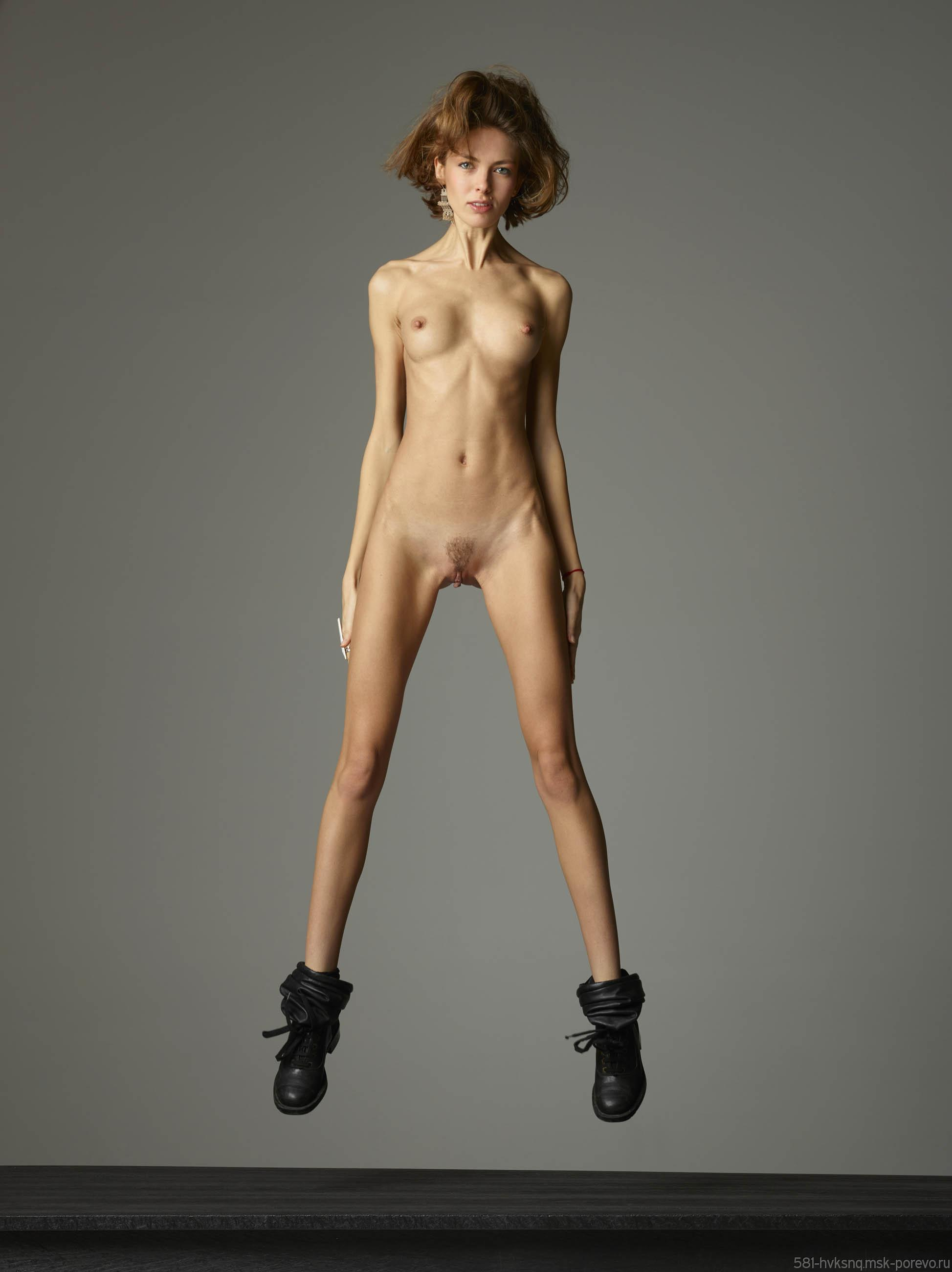 Skinny spanish chick nude, pakistanifick photo