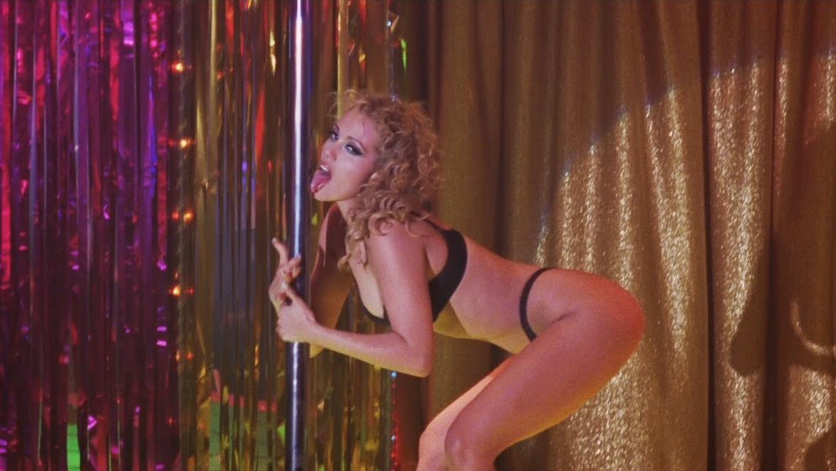 Elizabeth berkley in showgirls, bravo video amateur