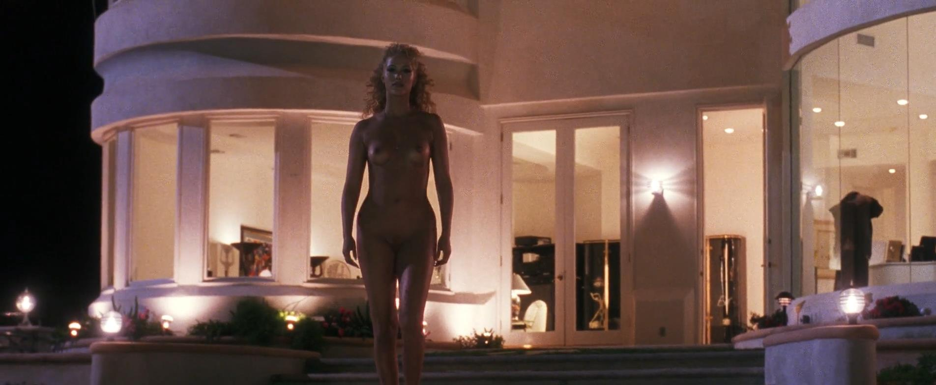 Elizabeth-Berkley-nude-full-frontal-sex-Showgirls-1995-hd1080p10.jpg