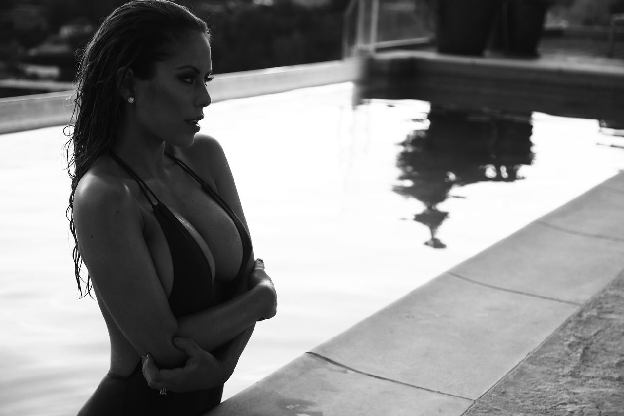 Brittney-Palmer-Sexy-5.jpg