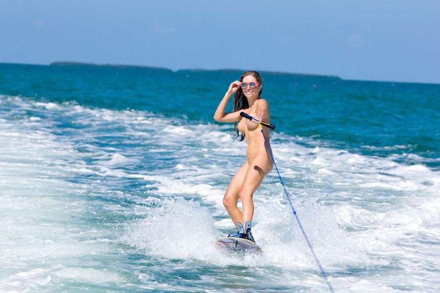 girl-naked-surfing