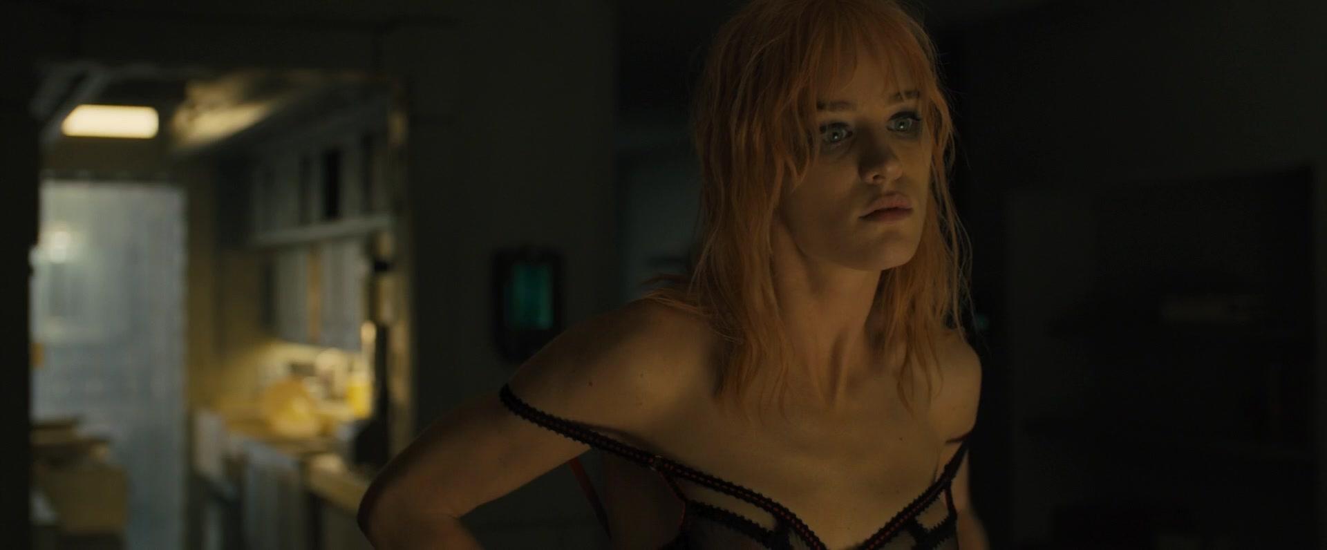 Ana-de-Armas-Sallie-Harmsen-Mackenzie-Davis-etc-Nude-51-thefappeningblog.com_.jpg