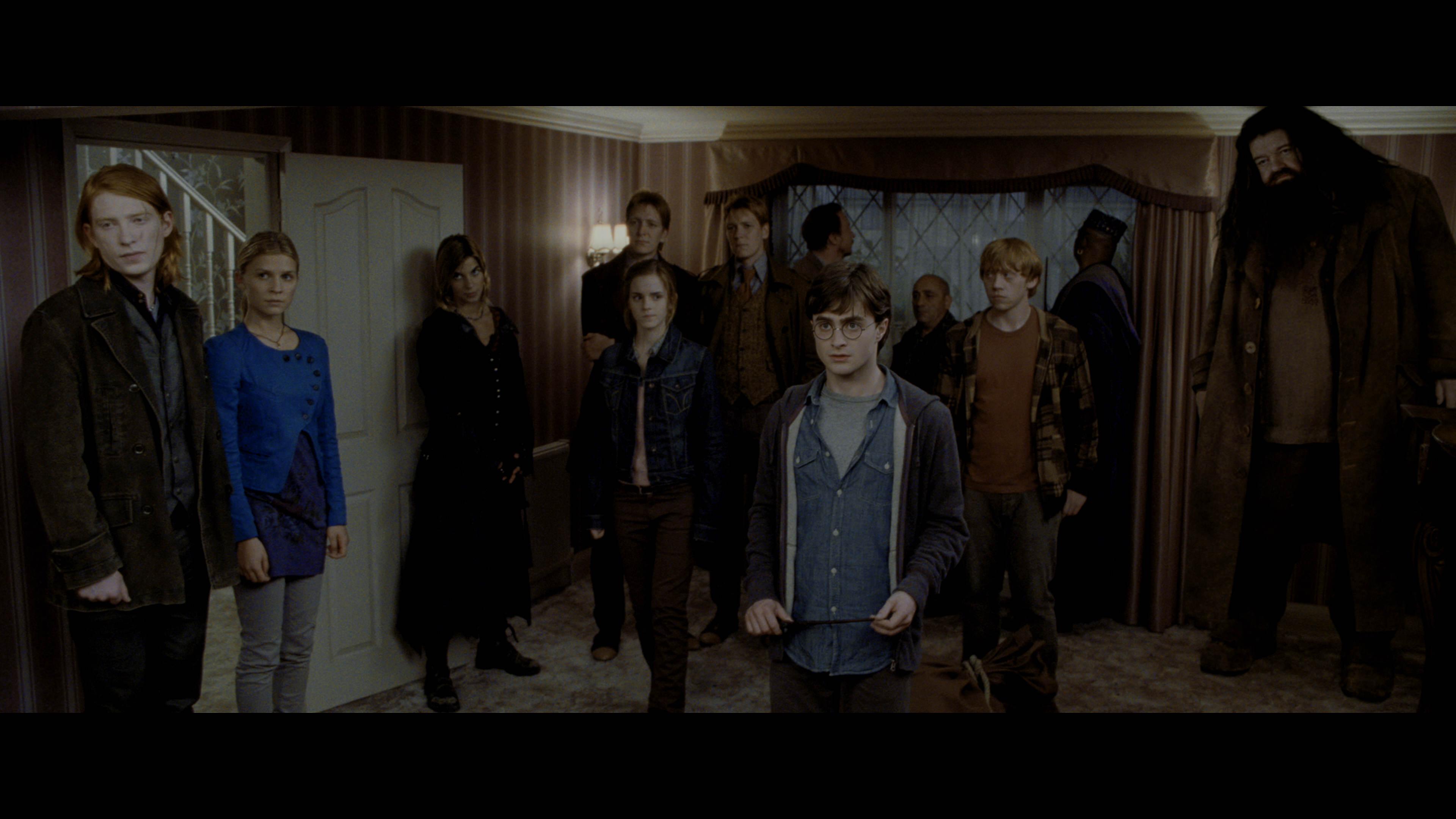 Гарри Поттер и Дары смерти: Часть 1 / Harry Potter and the Deathly Hallows: Part 1 (2010/BDRemux) 2160p, 4K