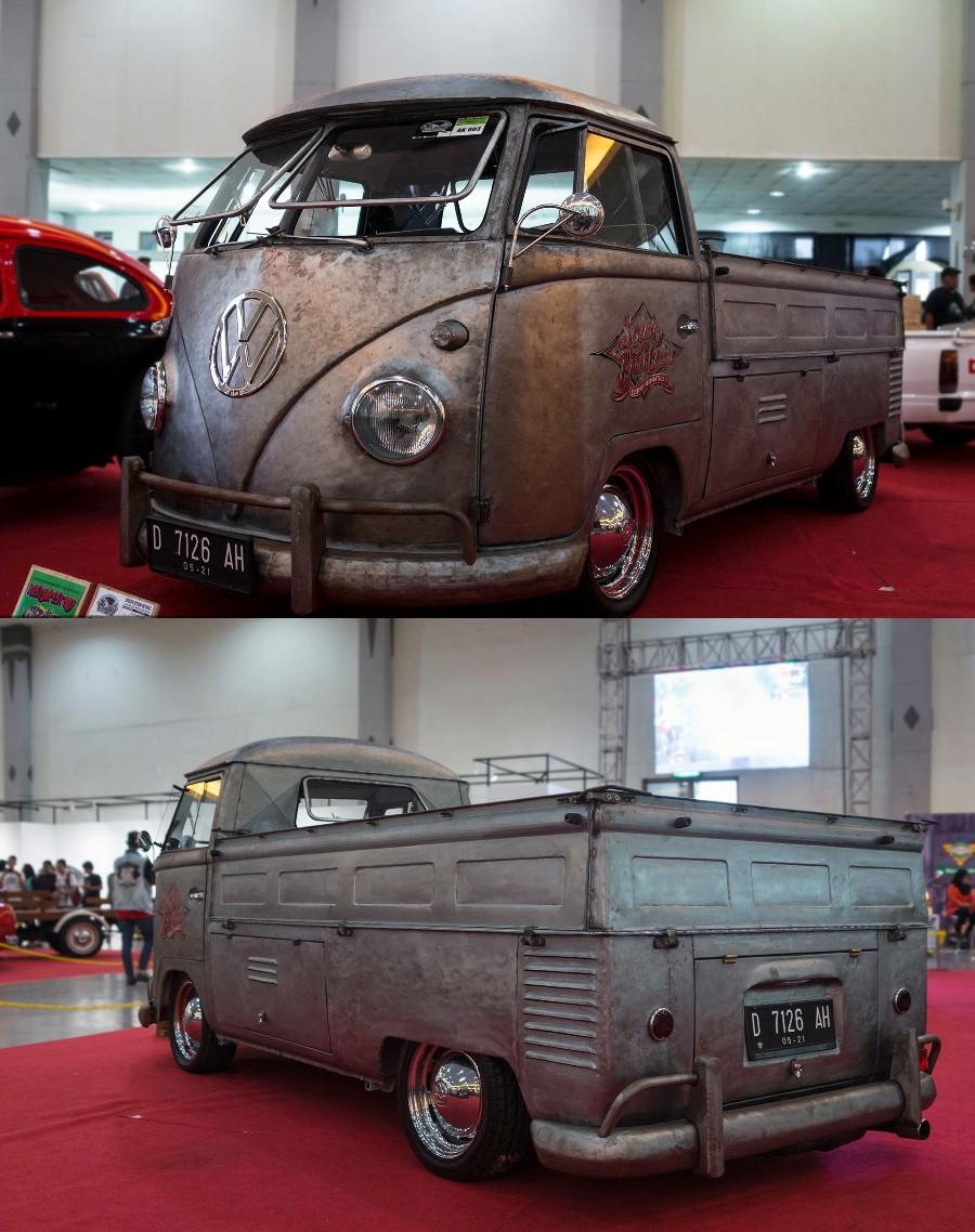 Стаернький фургончик
