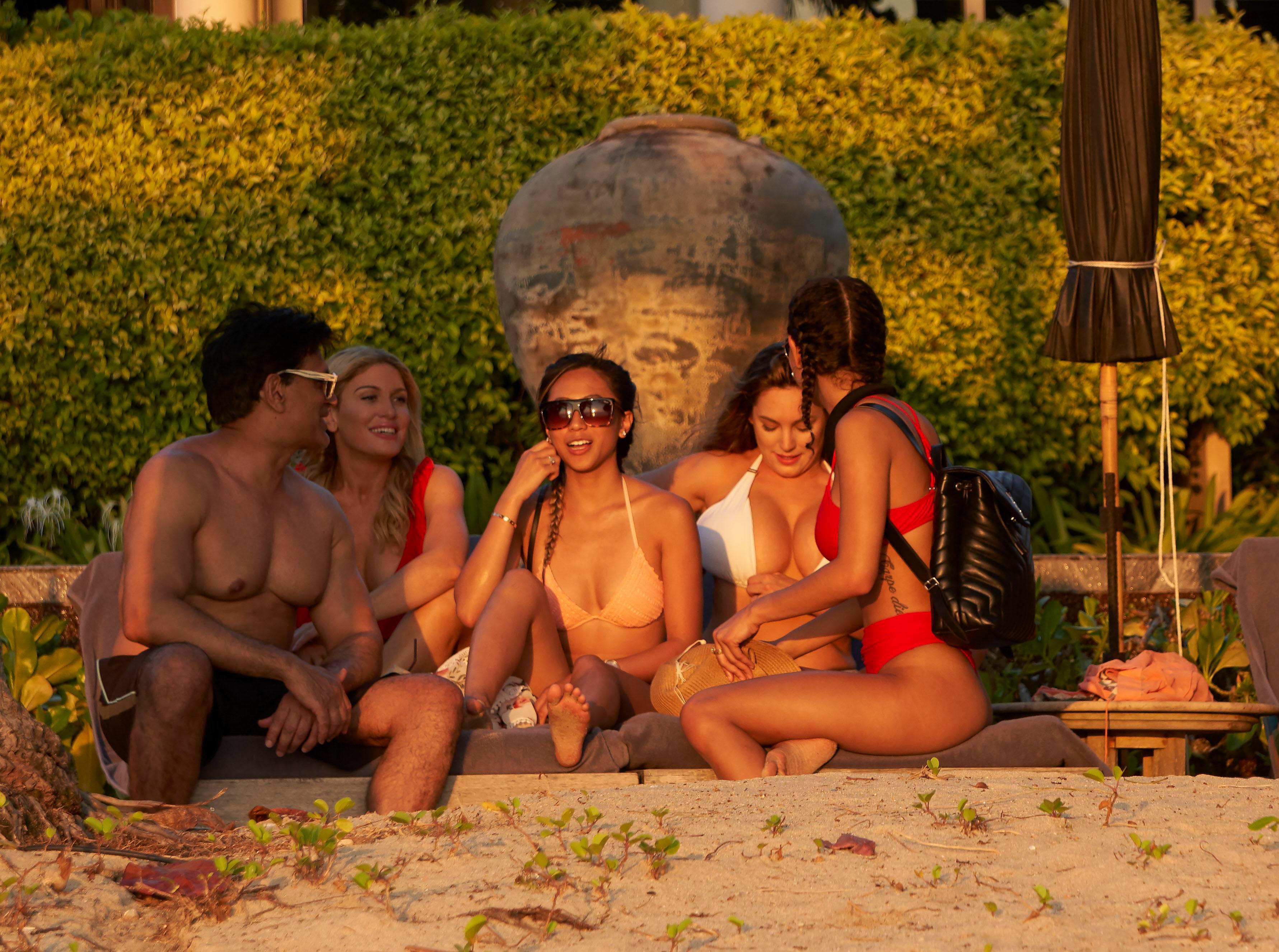 TheFappeningBlog.com-Kelly-Brook-Sexy-7.jpg