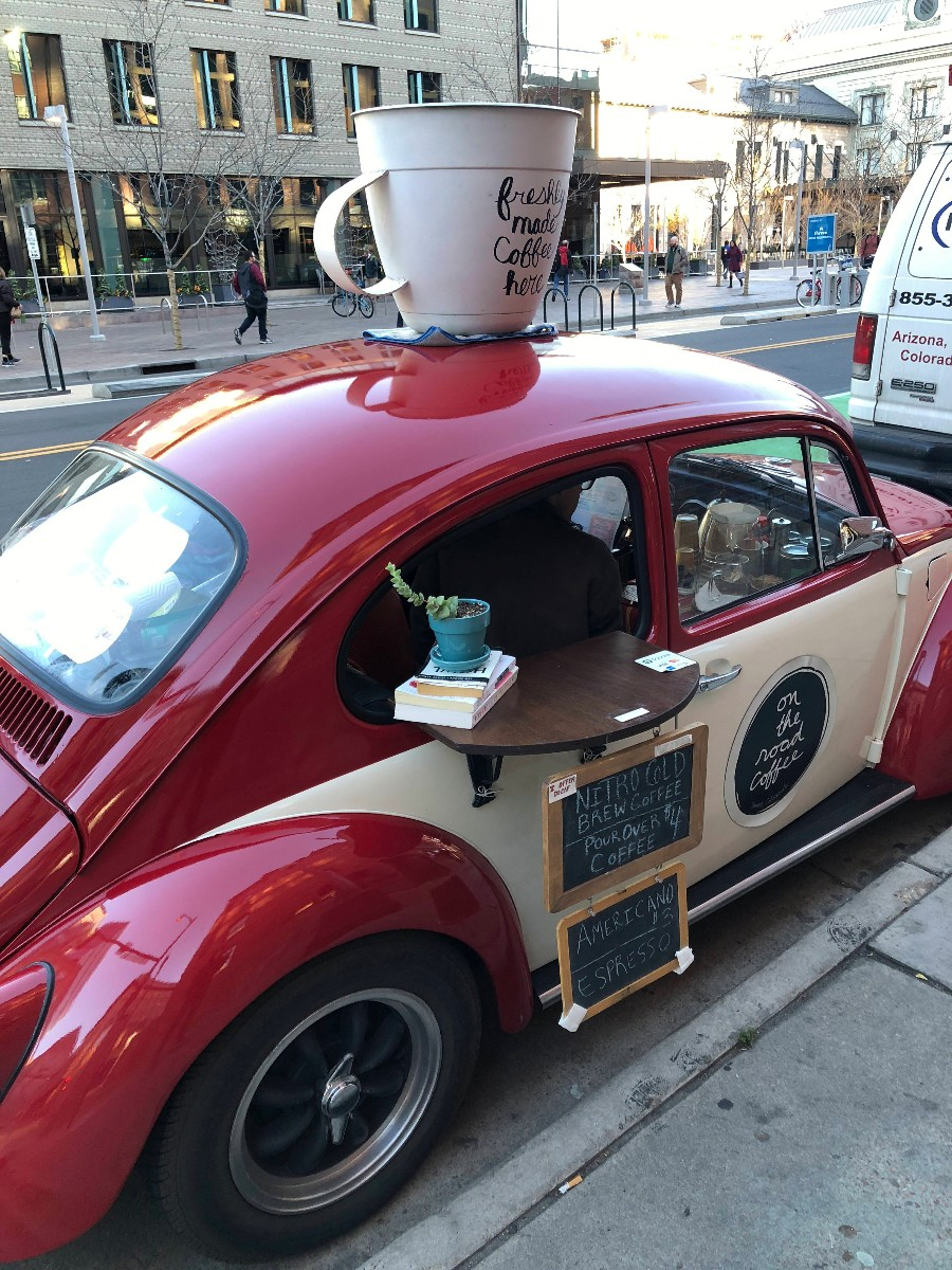 Продажа кофе в городе