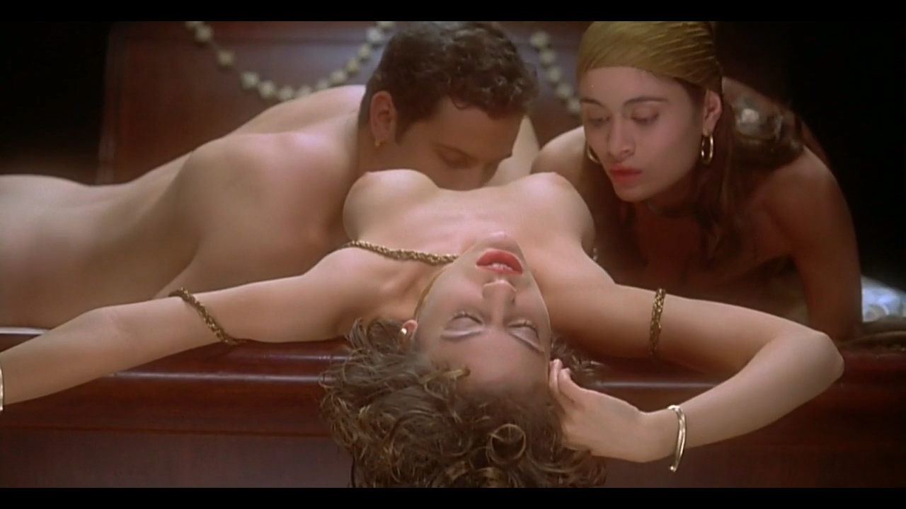 embrace-of-the-vampire-alyssa-milano-sexy