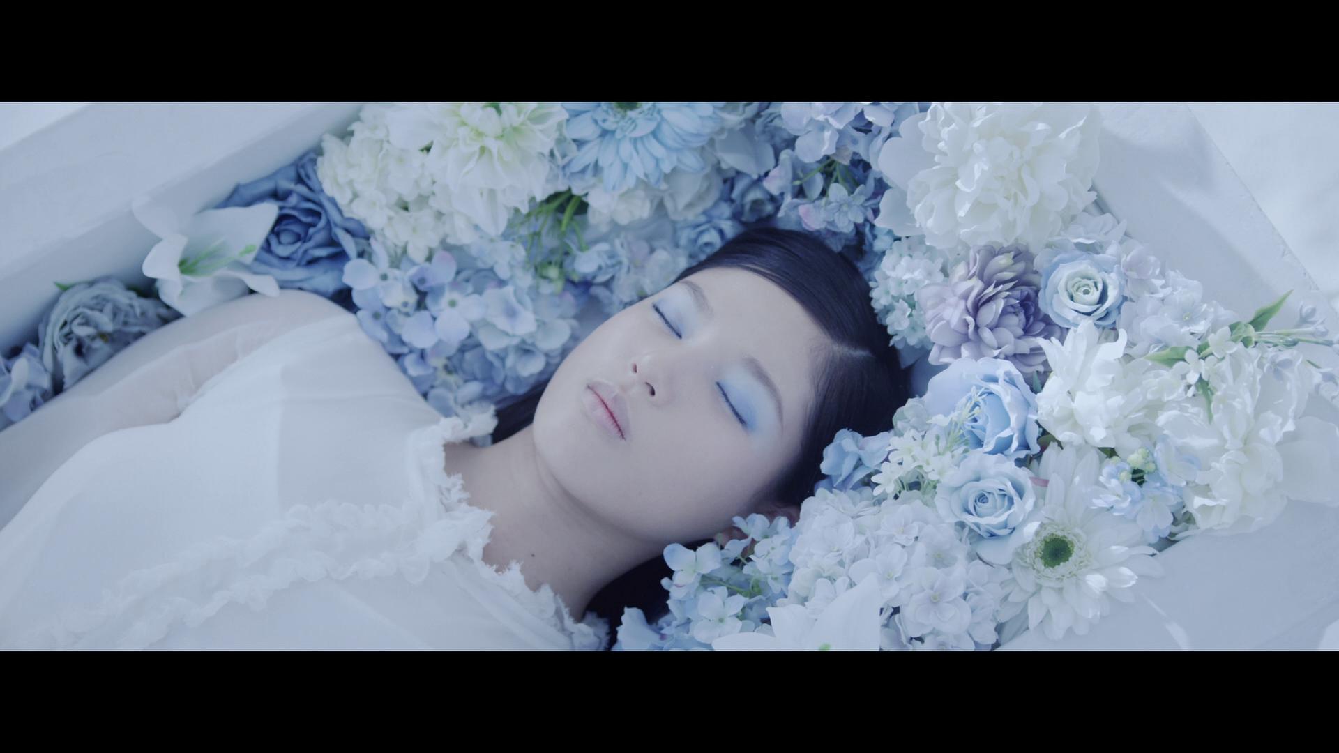20180812.2303.1 E-girls - Aishiteru to Itte Yokatta (PV) (Blu-Ray) (JPOP.ru).m2ts 1.png