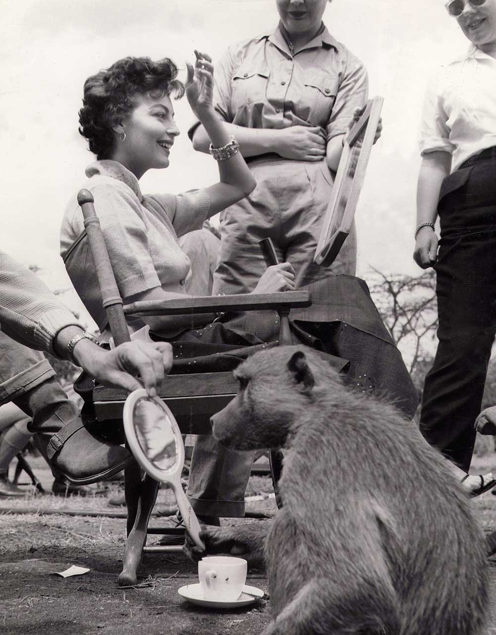 Ava-Gardner-and-a-baboon-fixing-themselves-on-the-set-of-Mogambo.jpg