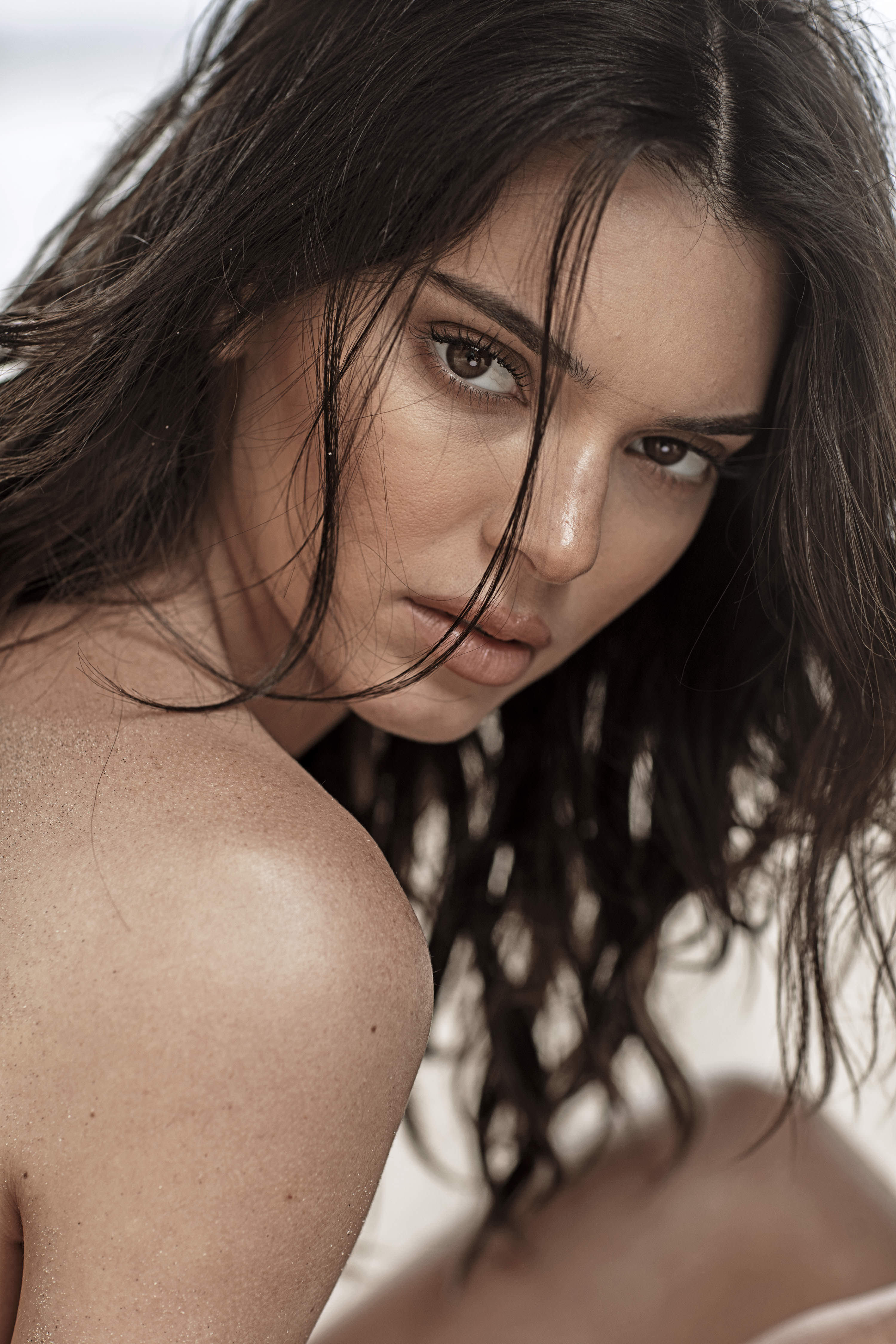 0810235419680_15_Kendall-Jenner-Nude-TheFappeningBlog.com-16.jpg