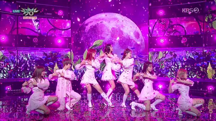 20180916.0526.1 GWSN - Puzzle Moon (Music Bank 2018.09.14 HDTV) (JPOP.ru).ts.png