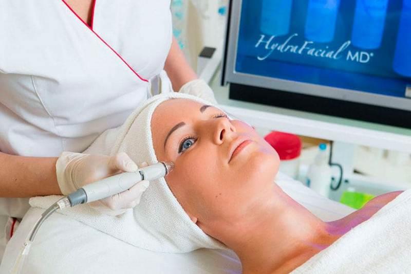 Процедура гидропилинга с использованием HydraFacial MD®