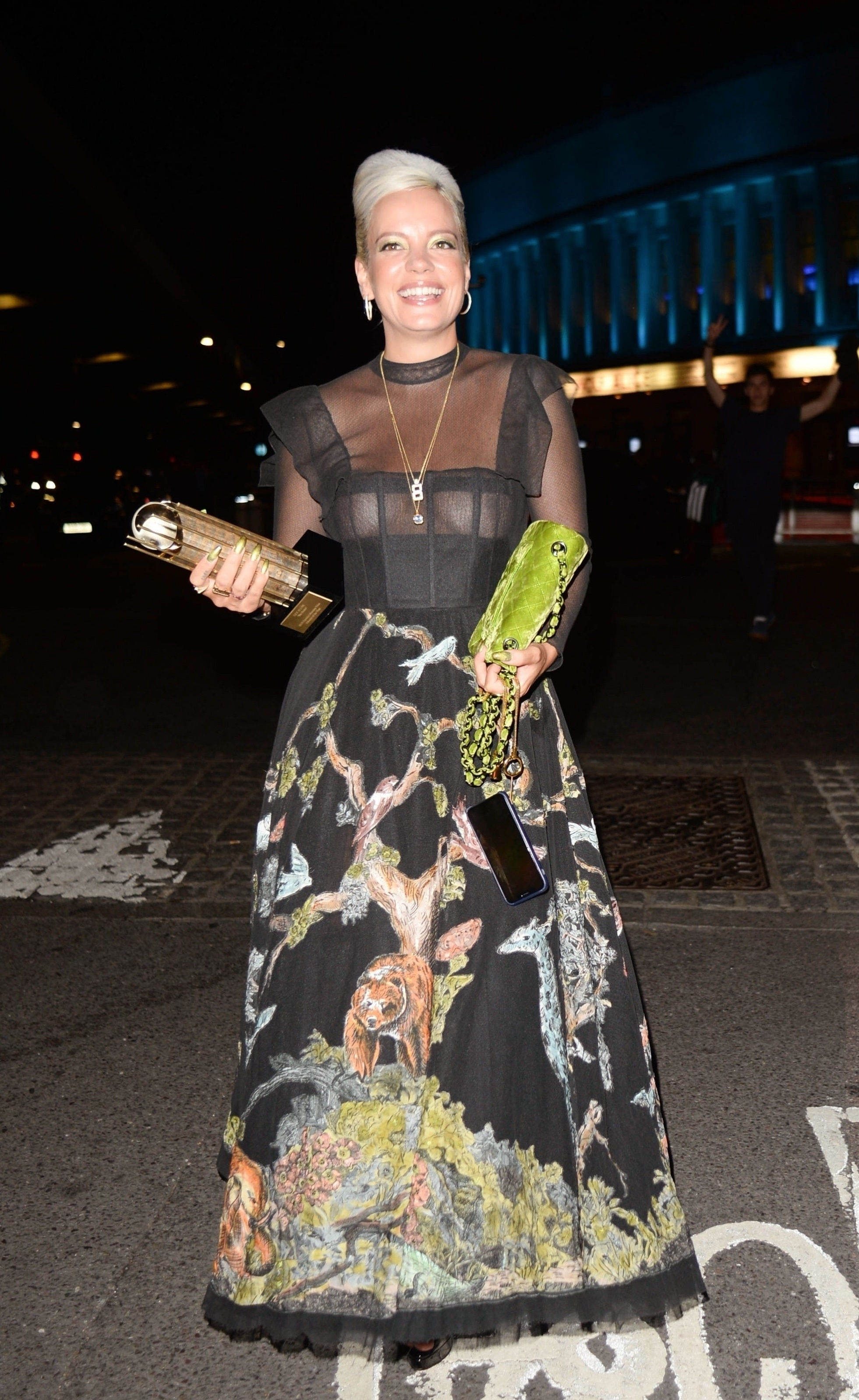 0919040453772_18_Lily-Allen-See-Through-TheFappeningBlog.com-19.jpg