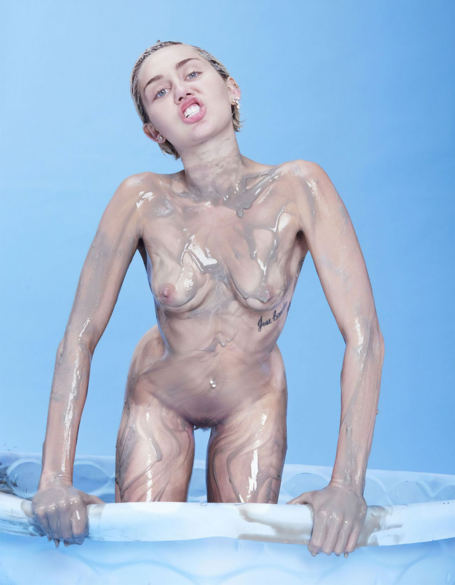 Miley cyrus real nude — pic 12