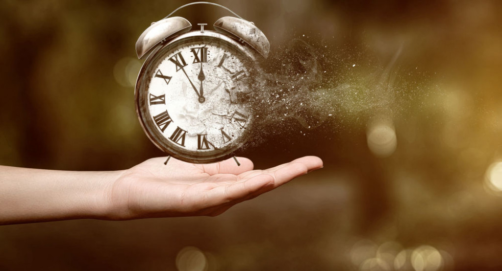 Vědci objevili způsob, jak vyrobit stroj času