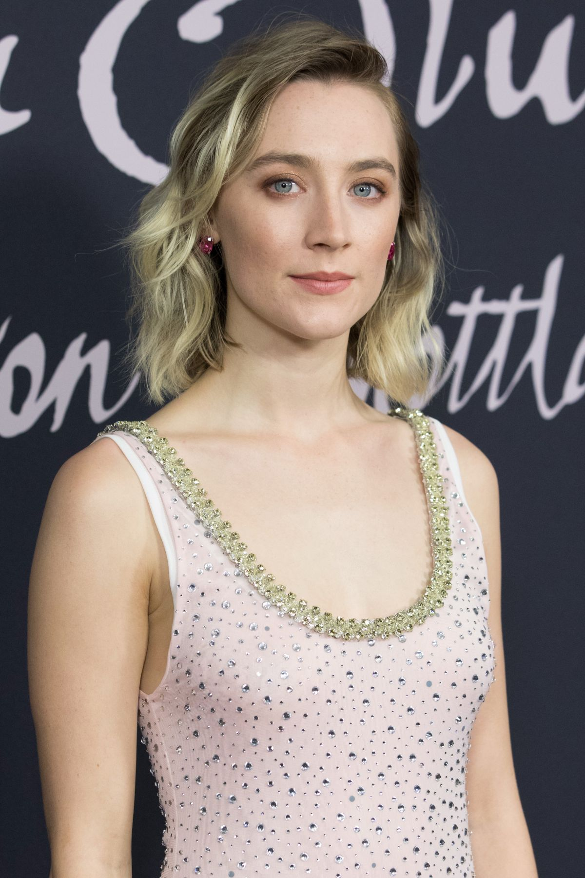 saoirse-ronan-at-mary-queen-of-scots-photocall-in-berlin-01-09-2019-6.jpg