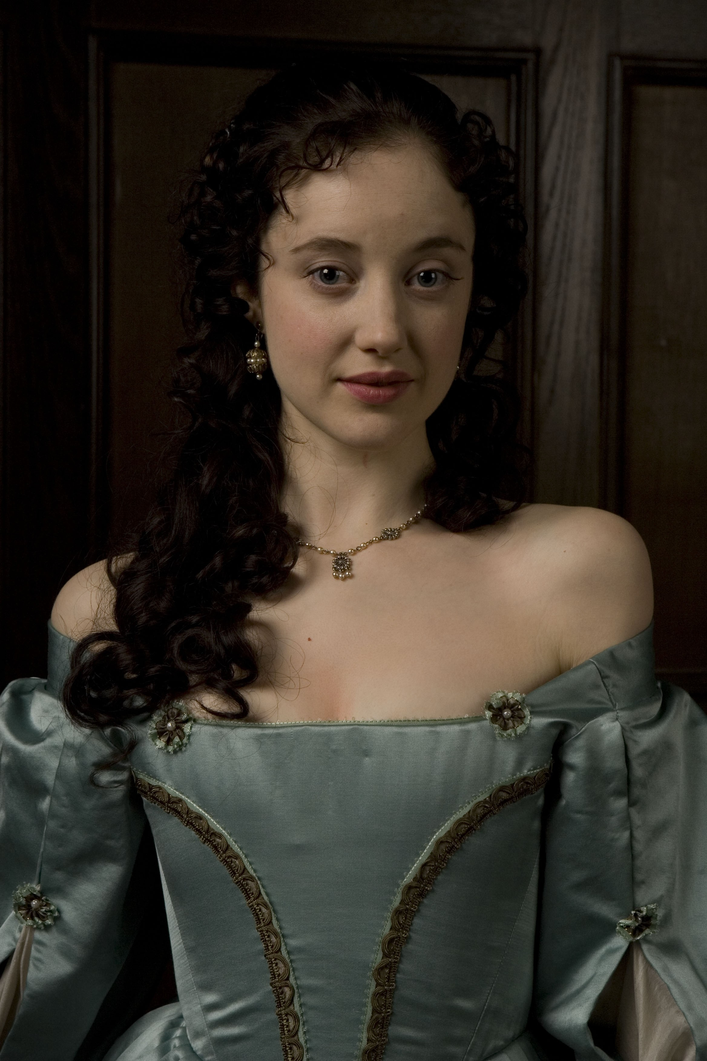 0025165737294_07_AngelicaFanshawe3AndreaRiseborough.jpg