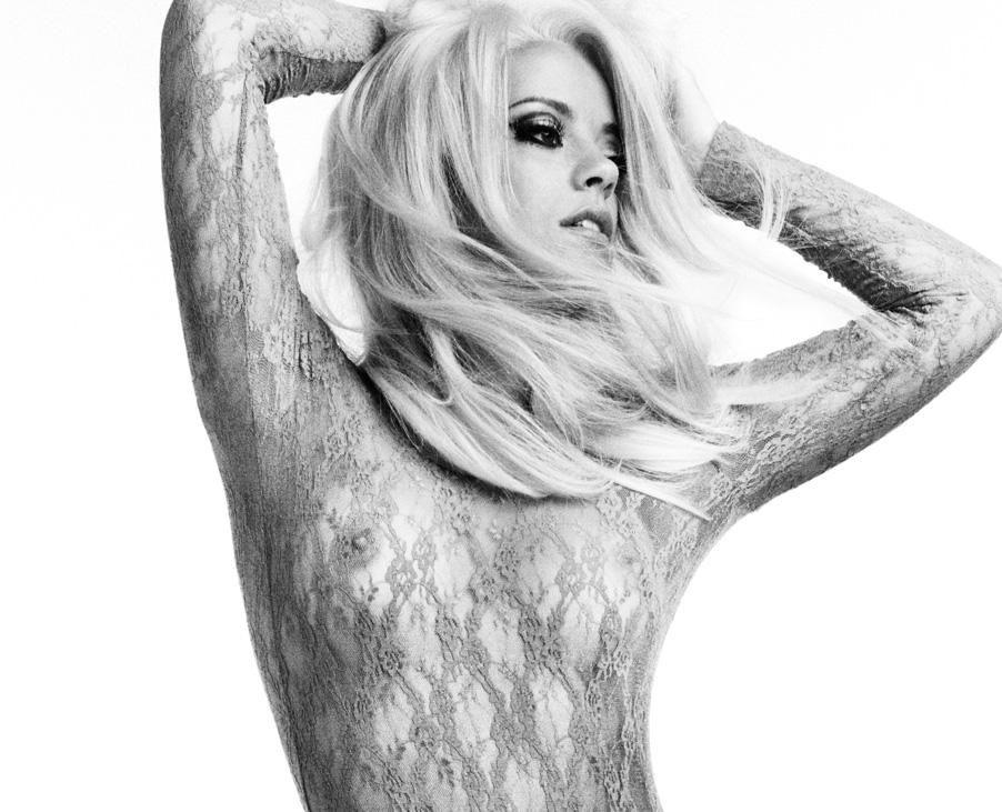 0326233753736_01_Lily-Allen-Nude-Sexy-TheFappeningBlog.com-1.jpg