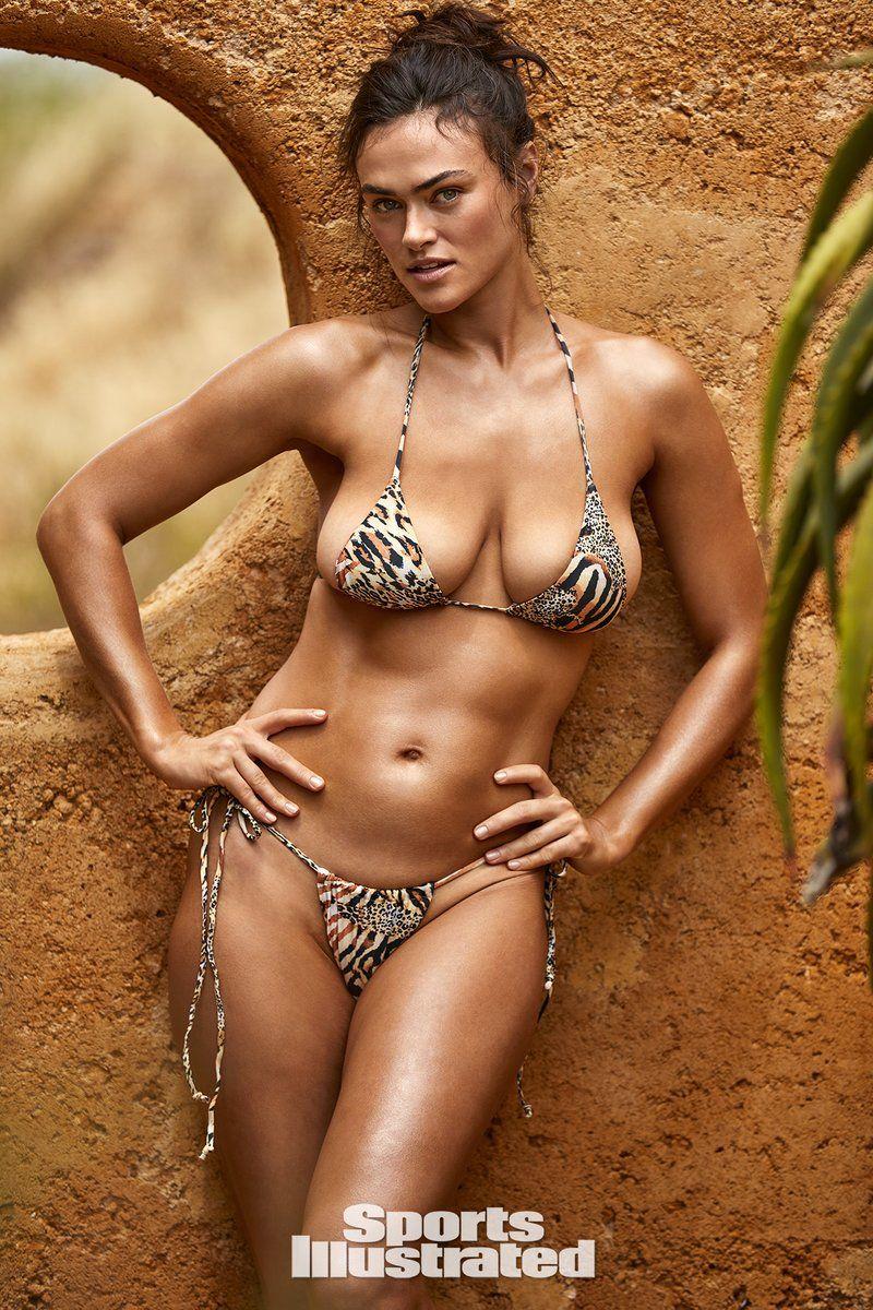0409070336912_01_Myla-Dalbesio-Nude-Sexy-TheFappeningBlog.com-1.jpg