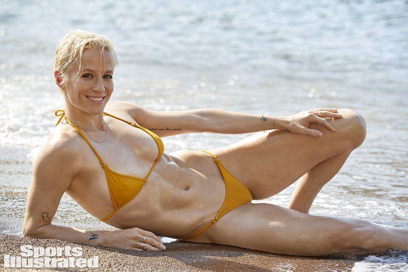 0409094146214_38_Megan-Rapinoe-Nude-Sexy-TheFappeningBlog.com-39.jpg