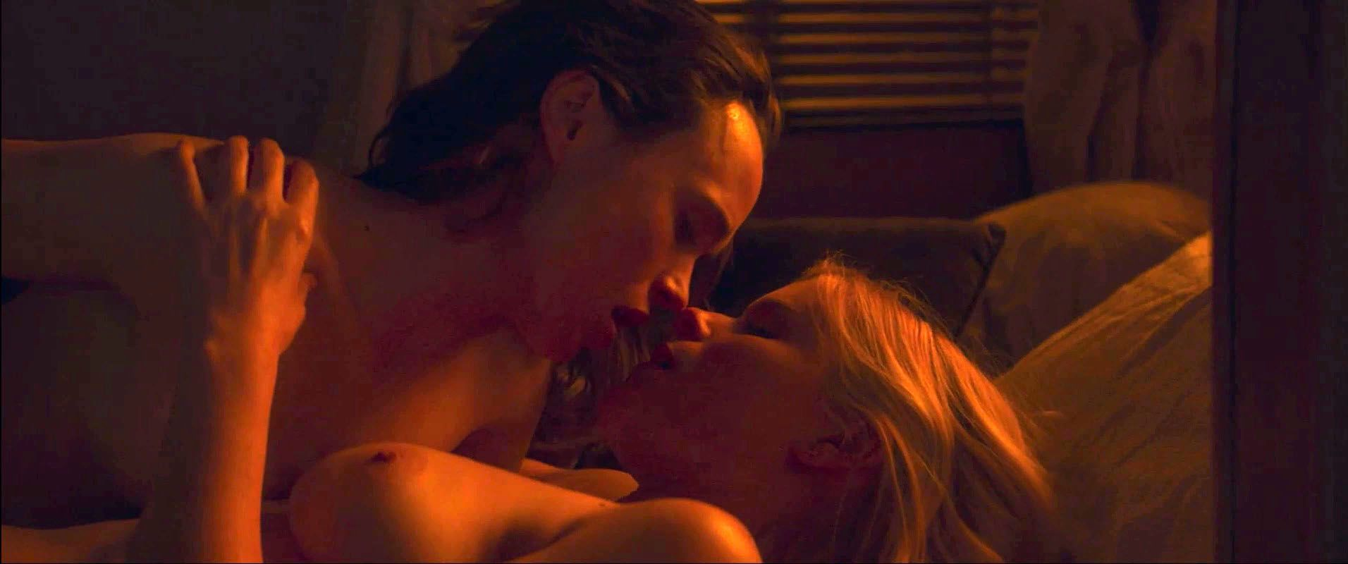 0418173952100_05_Kate-Mara-Ellen-Page-Nude-TheFappeningBlog.com-6-2.jpg