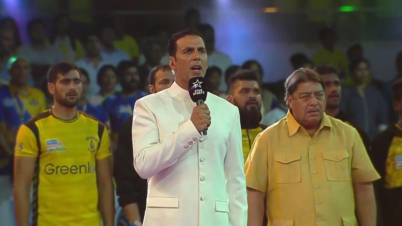 z_2017 - Akshay Kumar Sings National Anthem_720p.mp47973.jpg
